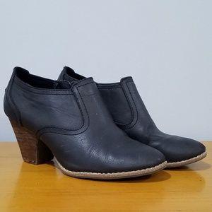 Dr. Scholl's Women's Sz 7 Black Heeled Short Boots
